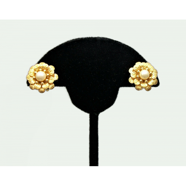 Crown Trifari Earrings Gold Clip on Flower Floral Earrings with Pearls