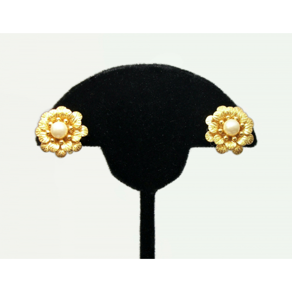 Crown Trifari Clip on Earrings Gold Small Flower Floral Earrings with Pearls