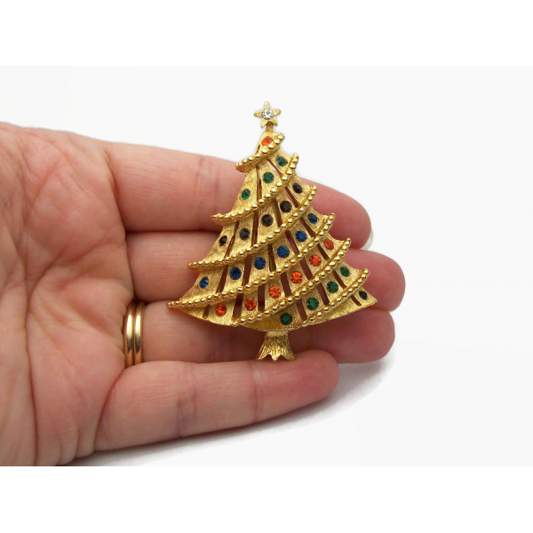 Vintage Brushed Gold Christmas Tree Brooch Pin with Multicolored Crystals