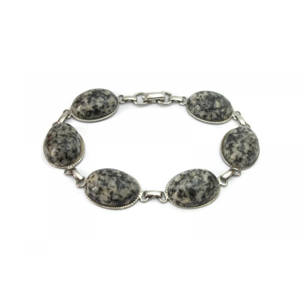 Vintage Speckled Black and Grey Stone Cabochon Bracelet Silver Tone Oval Chain