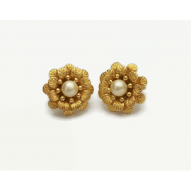 Vintage Crown Trifari Floral Clip on Earrings Gold with Pearl Accents Jewelry