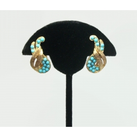 Vintage Gold Tone and Turquoise Colored Bead Clip on Earrings